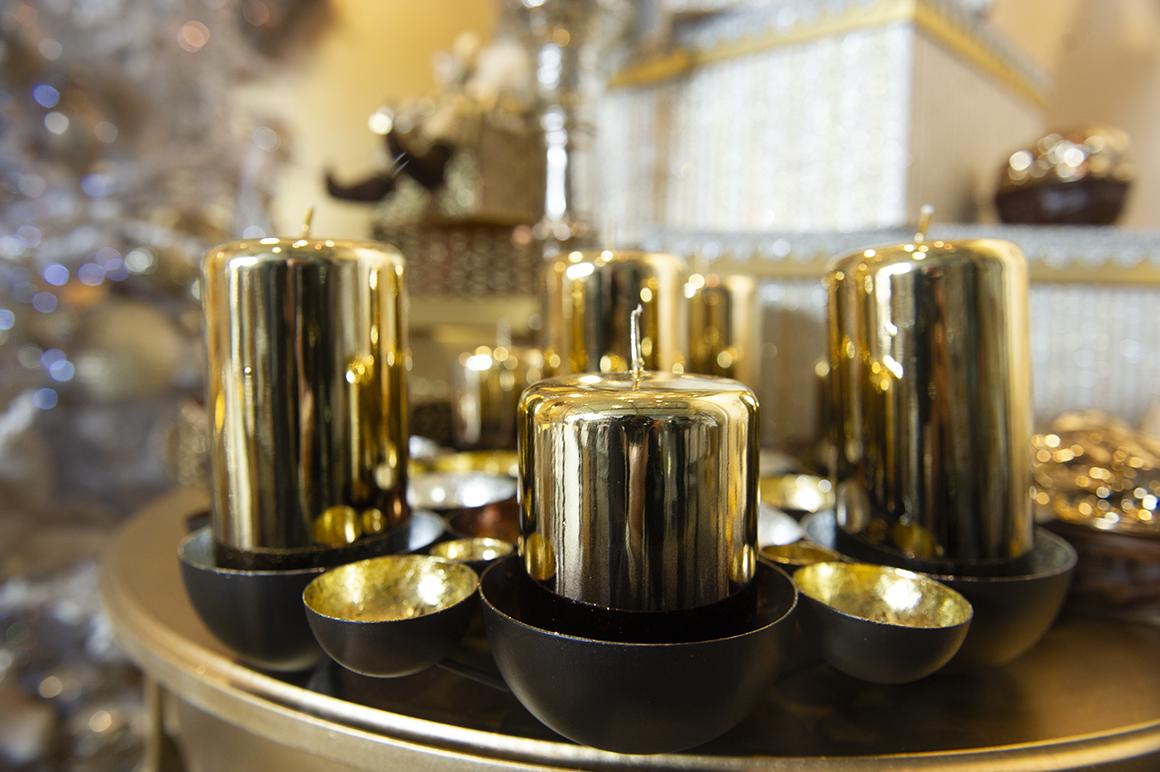 zlatna kolekcija bozicni ukrasi